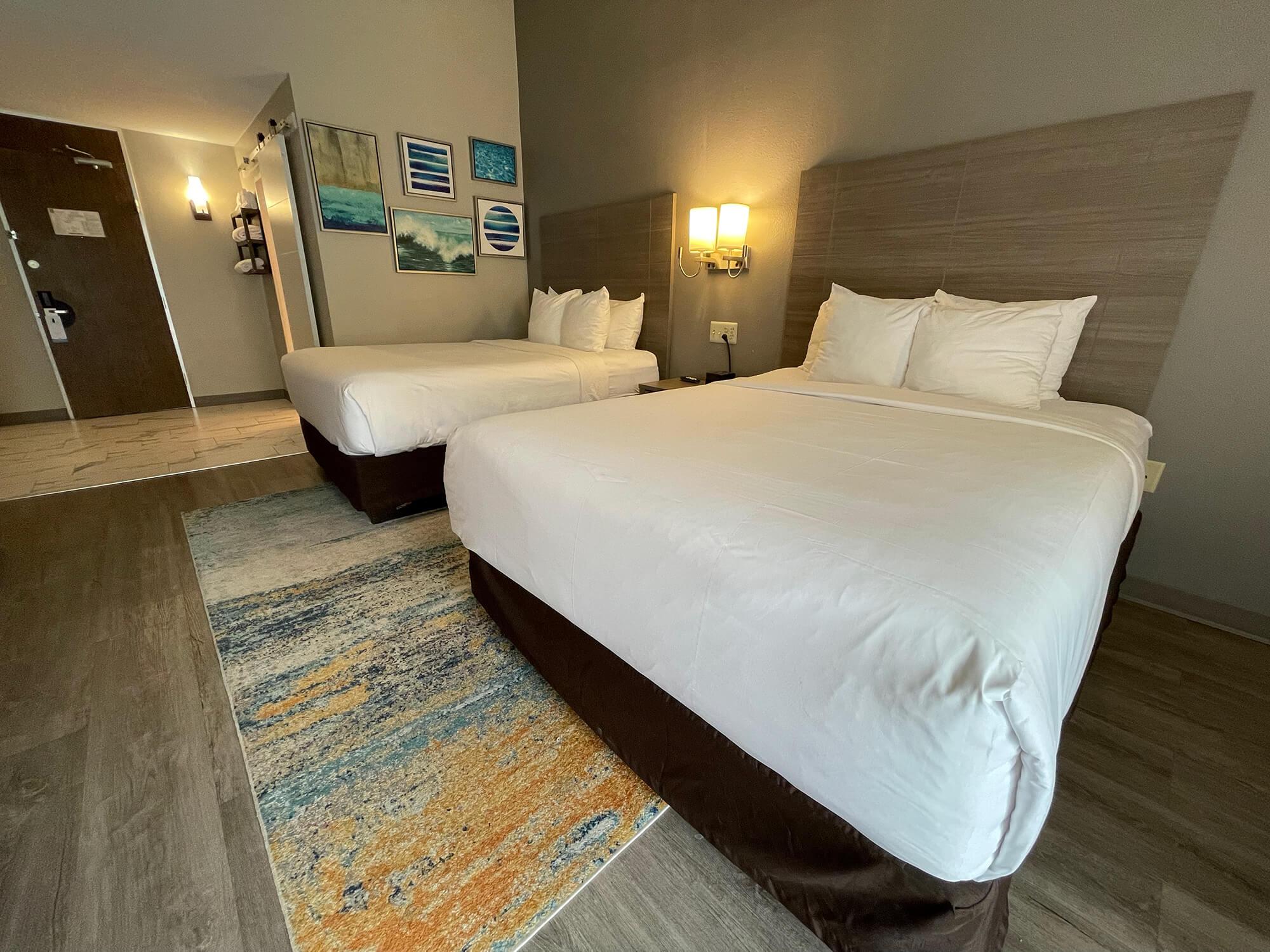 Two Queen Beds 05