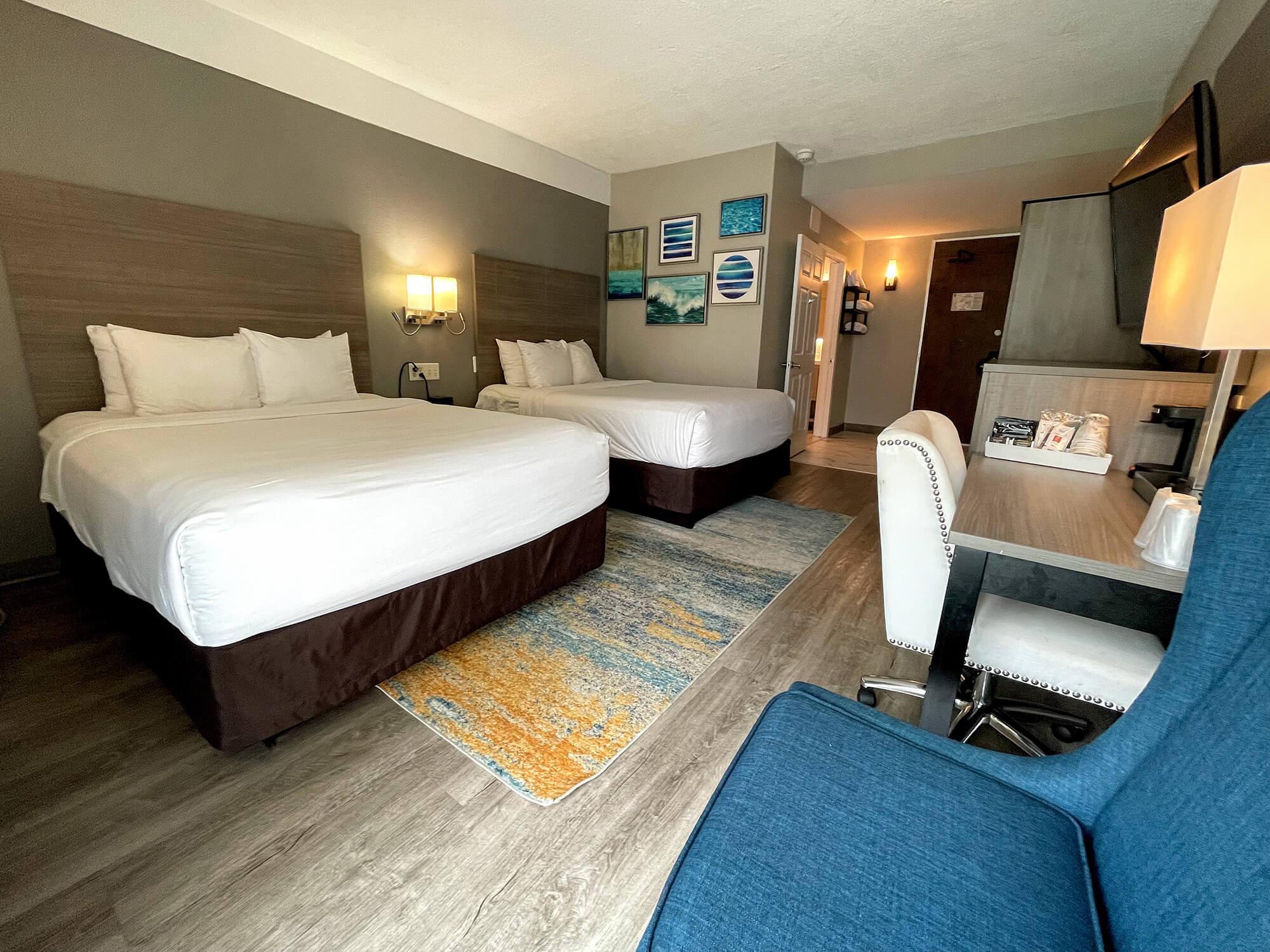 Two Queen Beds 09